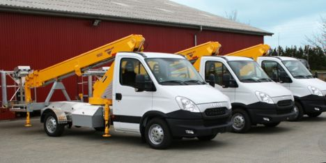 Producent af personlifte foretr�kker Iveco Daily