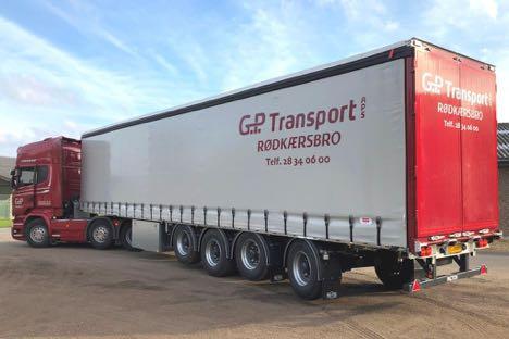 Pacton har leveret den første 32 tons XL-godkendte gardinsættevogn