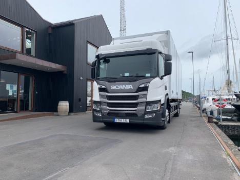 Hybrid-lastbilen kørte støjfrit rundt smilets by