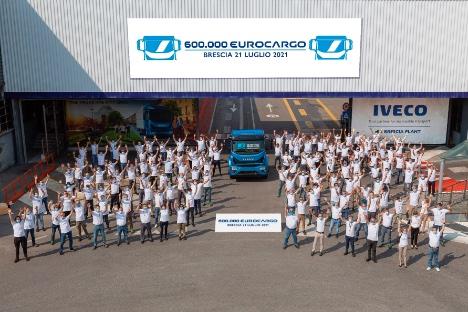 Lastbilproducent runder 600.000 eksemplarer