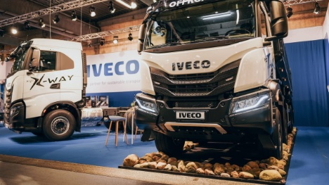 Italiensk lastbilproducent har danmarkspremiere på flere biler i Herning